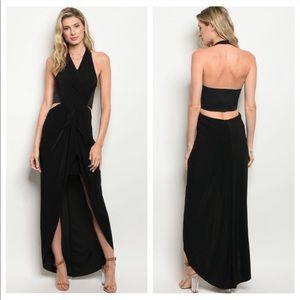 Dresses & Skirts - ❤️ Twist on the Little Black Dress Small